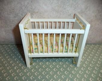 1:12 scale Dollhouse miniature White Baby Crib