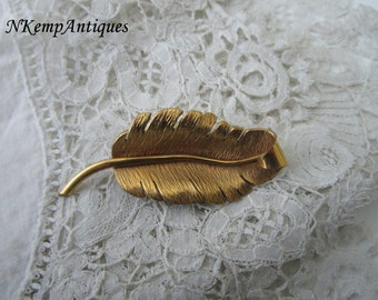 Vintage feather brooch 1930's