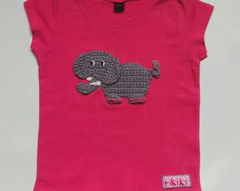 t shirt for girls personalized with an embroidered elephant in pink cotton - short sleeves