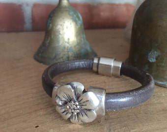 Grecian Leather Bracelet in Gray with Antiqued Flower - Handmade