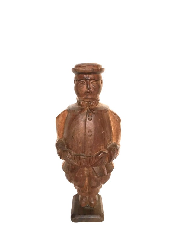 Vintage beefeater wooden figurine hand carved English guard
