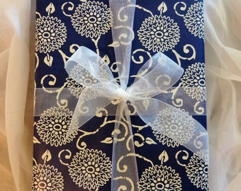 Gift Wrapping - Holiday Wrapping, Gift Wrap, Christmas Gift, Holiday Gift, Wedding Gift, Birthday Gift, Girlfriend Gift, Spouse Gift