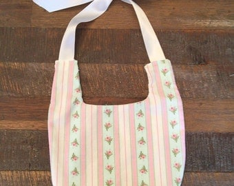 Baby girl shabby chic bib floral print large white bow