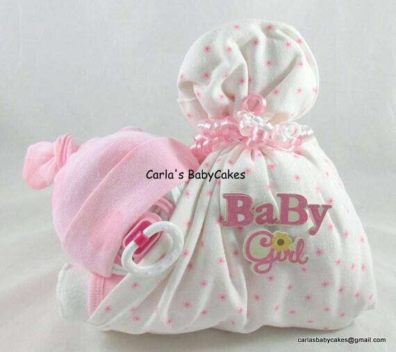 Stork bundle baby sleeping diaper baby baby diaper cake for Baby shower stork decoration