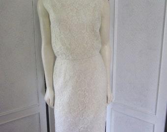 1960s White Lace Sleeveless Sheath, Size 4 - 6