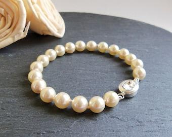 Cream Swarovski pearl bracelet, Swarovski Elements jewelry, simple pearl bracelet, bridal jewelry, knotted pearls, crystal cream pearl