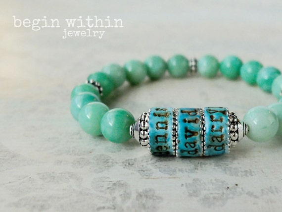 Mama Bracelet / Mint Green Jade Personalized Mother's Jewelry with Child's Names / Mother's Day Gift