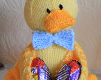 KNITTING PATTERN Ducky Egg Chocolate Egg Holder Easter Pattern