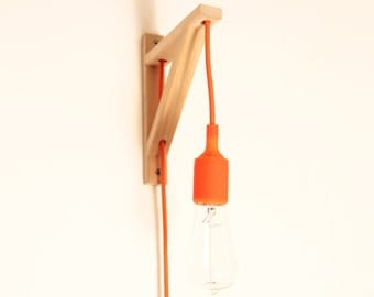 Wall lamp - Wooden square corner, ORANJE colour textile cord with oranje plug and oranje silicone bulb-socket - SMALL size