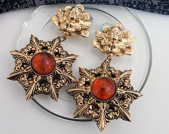 Clip earrings 80s runway Haute Couture, catwalk
