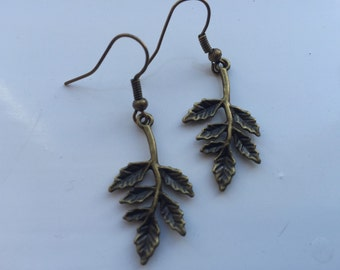 Oak leaf and branch earrings in antique bronze