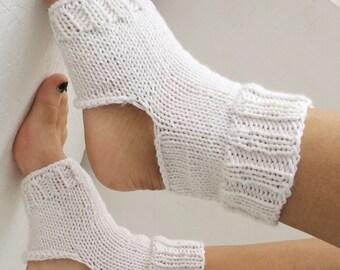 women yoga socks white knitting  Yoga Socks Hand Knit  Socks Dance Socks Slipper Socks Women  Socks  Colorful Hipster Socks Yoga active wear