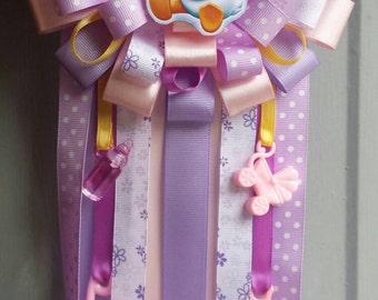 Daisy Duck corsage