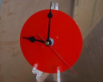FAST SHIPPING maximum 2 days! CD clock, table clock, cd rom, elegant wall clock with hook supplied