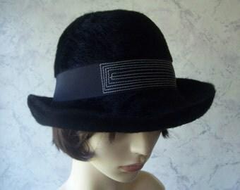 Soft and Fluffy Fine Angora Black Downton/Cloche Style Bow Back Hat  *  Pristine