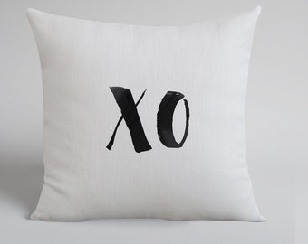 XO Handmade White Linen Pillow Cover -XO Hand Drawn Pillow - XO Throw Pillow Cover - Natural Linen - Cushion Cover