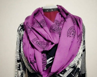 Long and stylish handmade infinity scarf - Pink