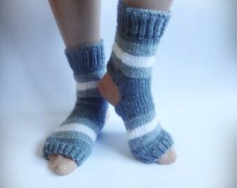 Yoga Socks, Hand Knitted Soks, Gray Knit Soks, Heel Less Socks, Pedicure Socks, Flip Flop Socks, Pilates Socks