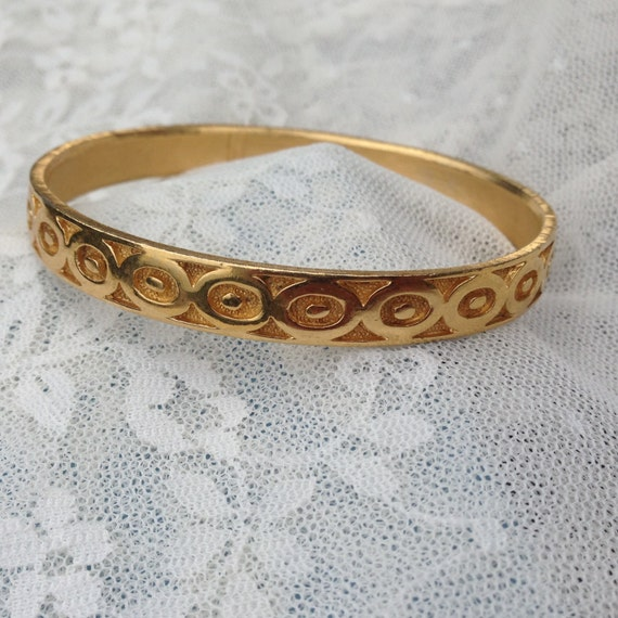 Vintage Signed Crown Trifari Bangle Bracelet Brushed Gold with a Raised Smooth Oval Design BSilver Flower Brooch Pin