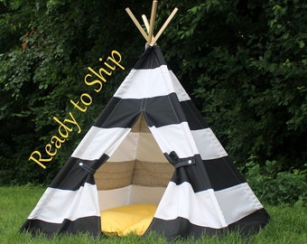 Black and White Kids Tent, Tent for Kids, Play Tent, Teepee Play Tents, Teepee, Childrens Teepee, Tee Pee,, Kids Teepee Ready to Ship