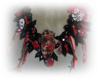 Barbie chain The Walking Dead Horror Gothic Halloween