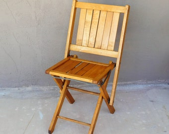 vintage wood folding chair sturdy nice condition urban living easy use