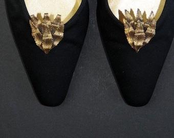 Art Nouveau Shoe Clips Gold Colored Leaves 1940s Shoe Jewelry Accessory