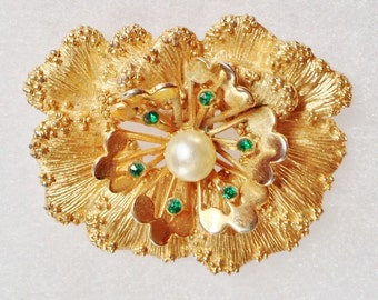 SARAH COV Gold w/ green rhinestone & Pearl Pansy Flower Pin