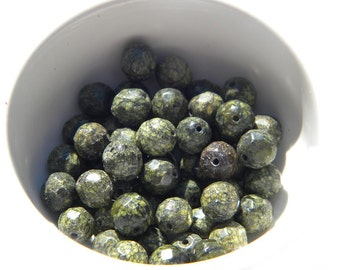 10 Serpentine Faceted 8mm Beads