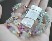 Selenite Necklace with Fluorite Crystals, Selenite Boho Jewelry, Empath Protection, Protection Healinng Crystals Jewelry, Energy tools, OOAK