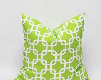 SALE Green Pillows Decorative Throw Pillow Covers Green Chain Link Pillows Cushion Covers Accent Pillows 20 x 20 Green and White Chain Link