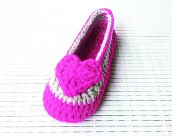 Crochet Patterns * Valentine Slippers for girls* Instant Download Pattern # 454 * Children Sizes 9-12 * Teen Sizes 1-2* Easy *house slippers