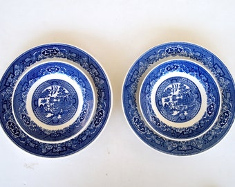 Blue Willow Dinner Plates and Salad Bread Plates Blue and White Flow Blue Royal Sebring Ohio