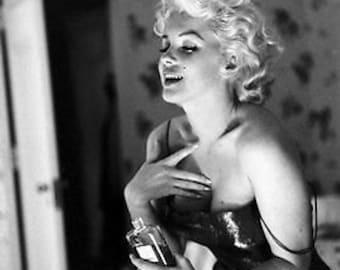 Vintage B&W Marilyn Monroe Chanel No.5 Advert Photograph Poster A3 Re Print