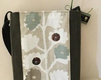 Dried Flowers Shoulder Bag
