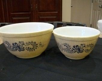 Vintage Pyrex Homestead Quart and Pint Mixing Bowl Set