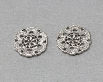 Flower Pewter Pendant . Polished Original Rhodium Plated . 10 Pieces / C5003S-010