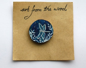 Dragonfly- wooden handpainted brooch.