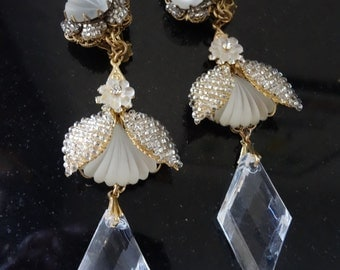 Vintage Stanley Hagler WHITE frosted glass Statement Earrings