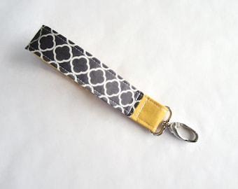 Fabric wristlet keychain key fob charcoal quatrefoil with mustard (KF15-019)