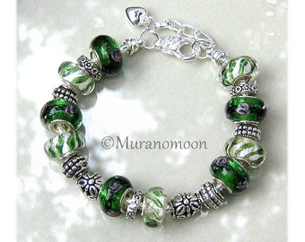 Emerald Green European Bracelet Green Glass Charm Bracelet Lampwork Beaded Bracelet Customize Heart Charm Aunt Mother Nana Grandma EB1460