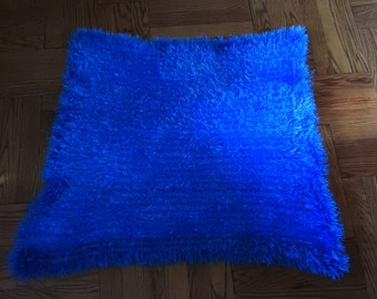 Baby Blanket made out of Fun Fur Yarn, Baby Blanket Hand Knitted in Blue Color