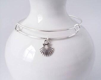 Delicate scallop sea shell charm bangle bracelet