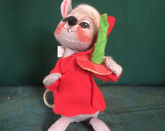 Annalee Happy Mouse Carrying a Candle-Vintage Very Collectable, 1977