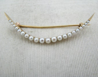 Beautiful Vintage 14k Yellow Gold Curved Pearl Brooch