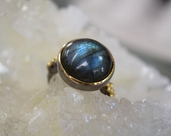 Labradorite Cabochon Ring // Oxidized Sterling Silver // Size 7 // ONE OF A KIND