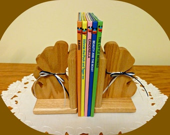 Bear Bookends/Wood Bookends/Kid's Desk Accessory/Child's Room Decor/Teddy Bear/Wood book end/Wooden bookend/Book Holder/Shelf Decoration