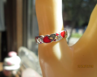 Cute Designer Red Enamel Clustered Hearts Solid Sterling Silver Band Size 6.5, Wt. 1.9 Grams