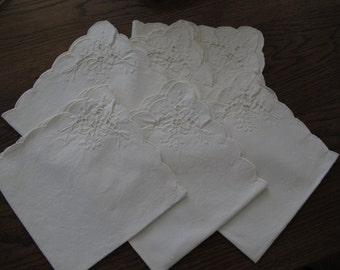 6-Beautiful Vintage dinner napkins, cut away, embroidery-free shipping