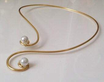 Gold beads necklace white arabesques nacrees aluminum